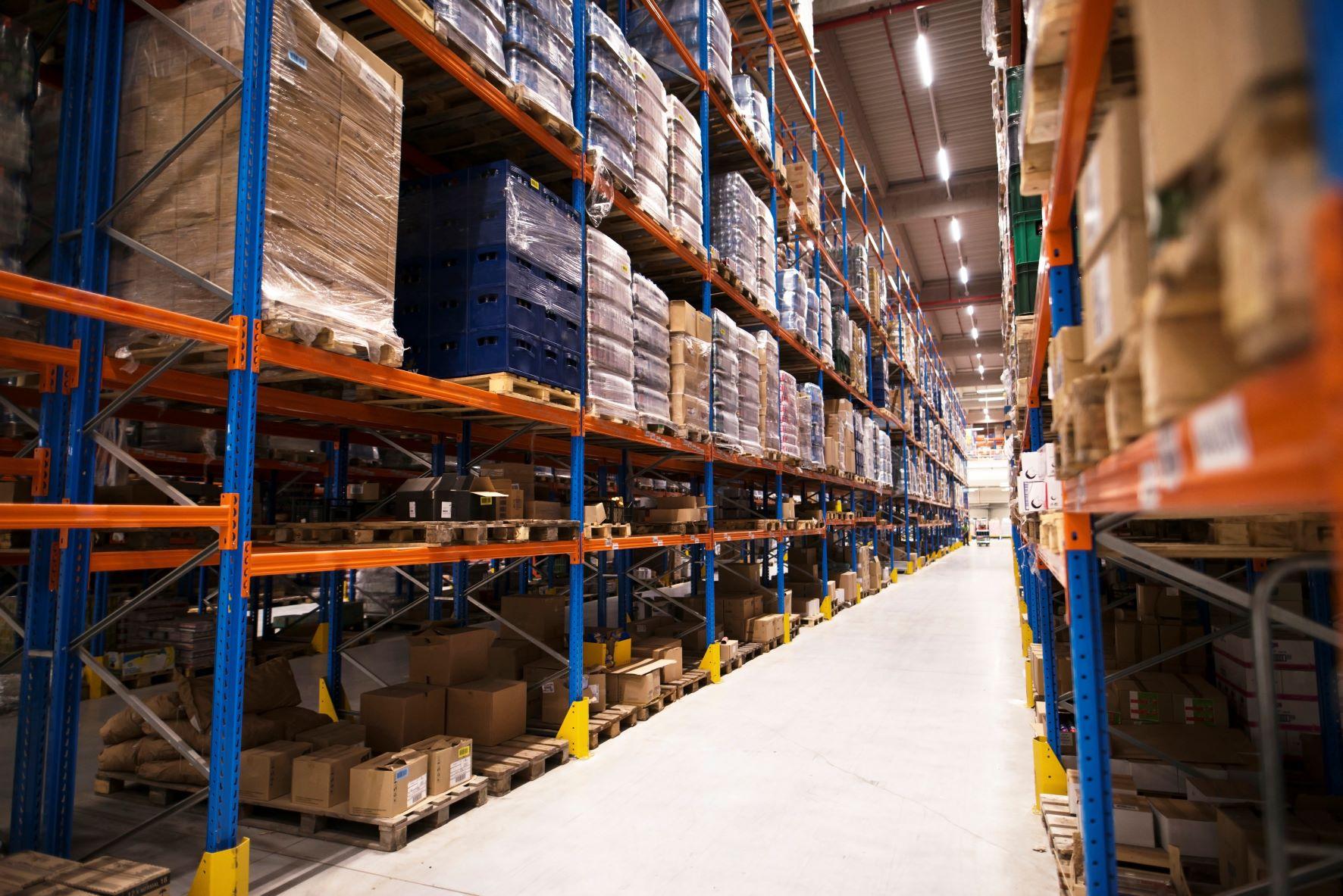 E-Commerce Speeds Up Warehousing Services